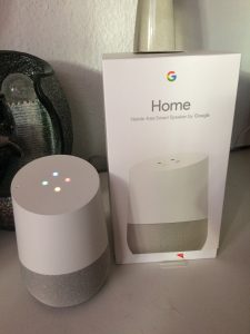 Google Home mit Packung