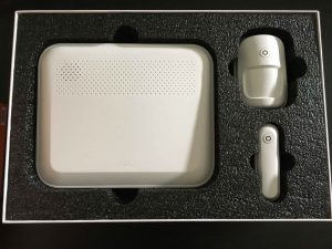 Lupusec XT1 Plus Verpackung Gerät Bewegungsmelder Türkontakt Fensterkontakt