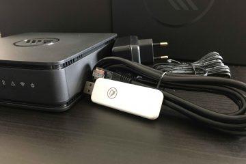 HomePilot mit Zubehör, USB-Stick, LAN-Kabel und Netzteil